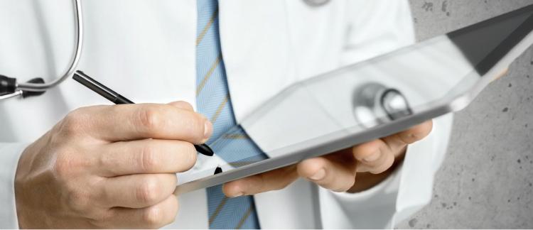 Prontuário eletrônico ou de papel? Compare e entenda as diferenças!