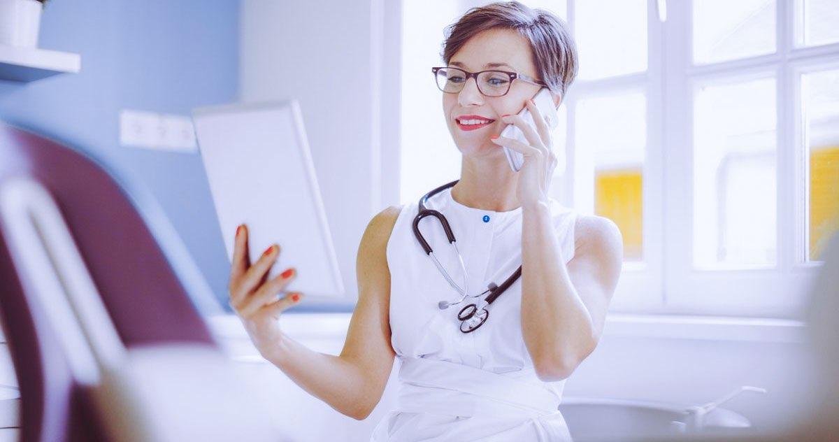 As vantagens de acessar os dados da clínica pelo smartphone ou tablet