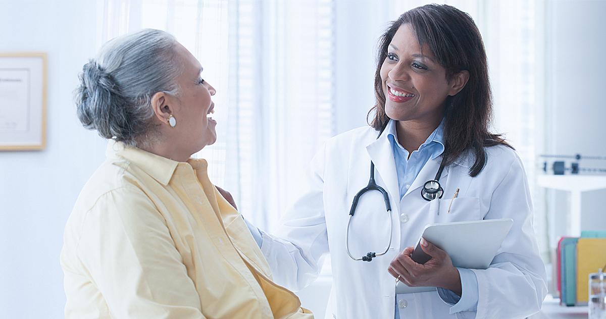 Atendimento humanizado: como lidar com pacientes idosos?