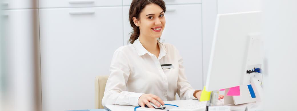 recepcionista-de-clinica-medica