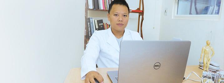 Como o iClinic Marketing ajuda o Dr. Keny na comunicação com os pacientes